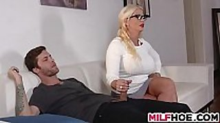 Stepdaughters boyfriend enticed by mommy