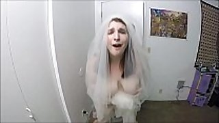 Bride bonks superlatively fine stud previous to leaving to her wedding