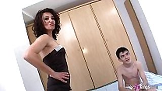 The horniest mature with the youngest guy: zaze...