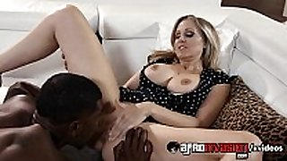 Busty-cougar-julia-ann-interracially-fucked-720...