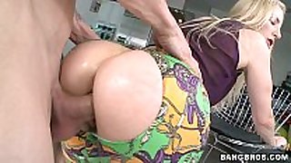 Blonde milf with a great butt screwed
