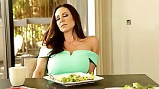 Mommy and daughter not quite caught - ariana marie...