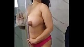 Indian white wench anita undress exposed in shower - fuckm...