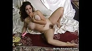 Hot milf jonee masturbates her bushy cum-hole