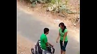 Indian paramour sexy kiss in road