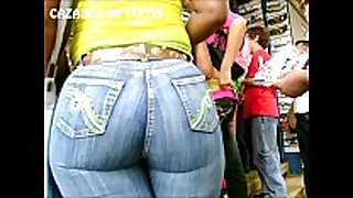 007 negra culona en jeans