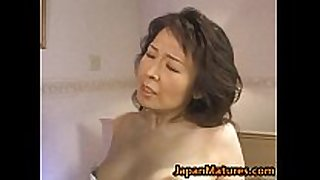 Hitomi kurosaki older japanese woman
