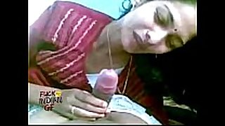 Indian cheating wife sucking giving her stud a blow job in...