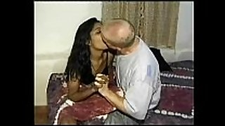 Mumbai college BBC slut seducing white traveler in ...