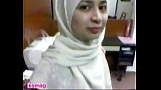 Malay hijab got rubbed in the office