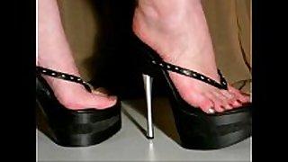 Walking in 7inch high heel platform belts