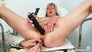 Nada visits her gyno doctor for mature snatch sp...