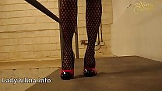 Mature wetlook herrin carmen walk high-heels fi...