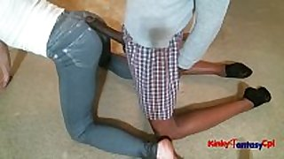 Hubby jack dong on wife's constricted jeans